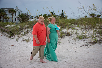 Brittnay_and_Dakota_a_Pass-a-Grille_Beach_Wedding_012