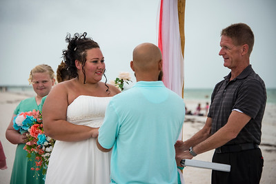 Brittnay_and_Dakota_a_Pass-a-Grille_Beach_Wedding_024