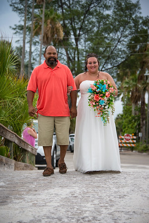 Brittnay_and_Dakota_a_Pass-a-Grille_Beach_Wedding_017