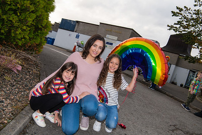 Niamh and Sophia Thompson with their mum Diane.  PIcture: Ronan McGrade