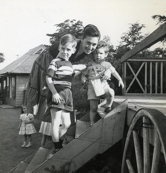 Aug 1952.jpg