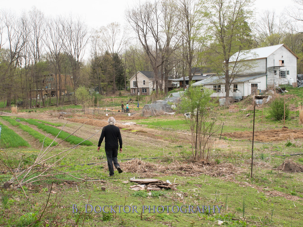 1405_Larry Ulfik at farm_004