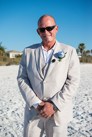 Fred_and_Colleen_a_Pass-a-Grille_Beach_Wedding_010