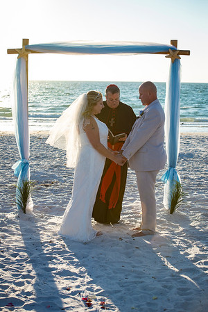 Fred_and_Colleen_a_Pass-a-Grille_Beach_Wedding_074