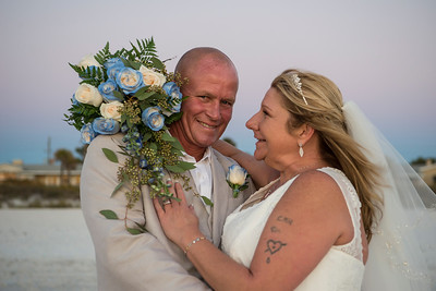 Fred_and_Colleen_a_Pass-a-Grille_Beach_Wedding_123