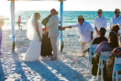 Fred_and_Colleen_a_Pass-a-Grille_Beach_Wedding_063