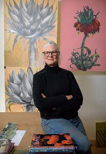 Betzie Bendis in studio-30