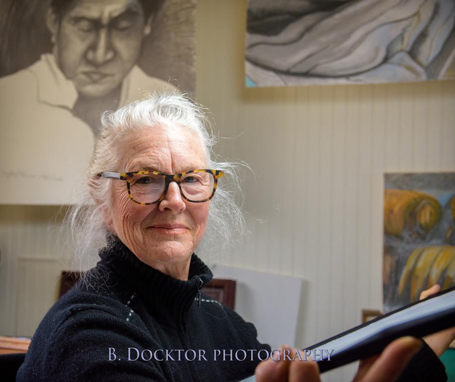 Betzie Bendis in studio-3