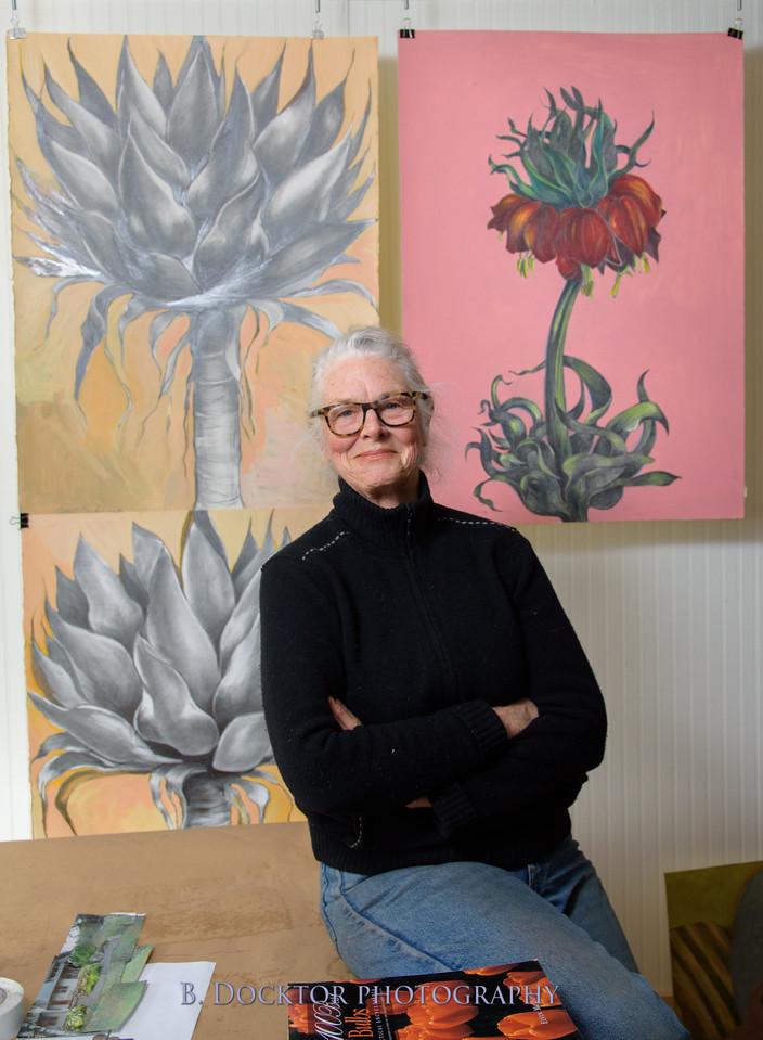 Betzie Bendis in studio-25