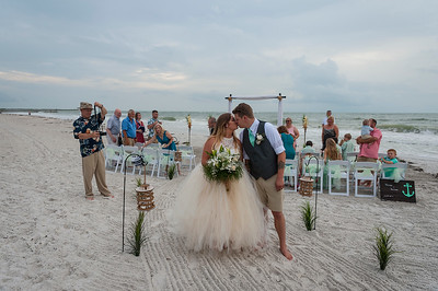Kristina_and_Nathan_a_Pass-a-Grille_Beach_Wedding_052