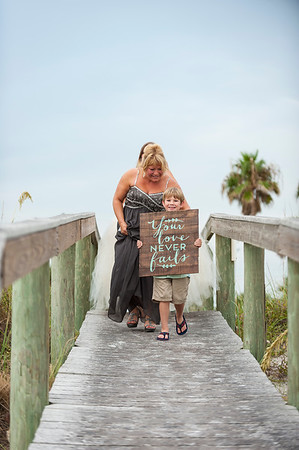 Kristina_and_Nathan_a_Pass-a-Grille_Beach_Wedding_019