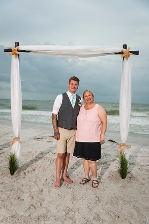 Kristina_and_Nathan_a_Pass-a-Grille_Beach_Wedding_083