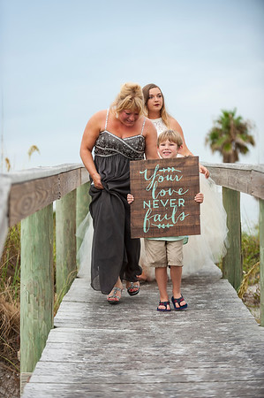 Kristina_and_Nathan_a_Pass-a-Grille_Beach_Wedding_020