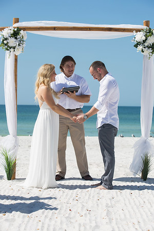 Miles_and_Samantha_a_Pass-a-Grille_Beach_Wedding_009