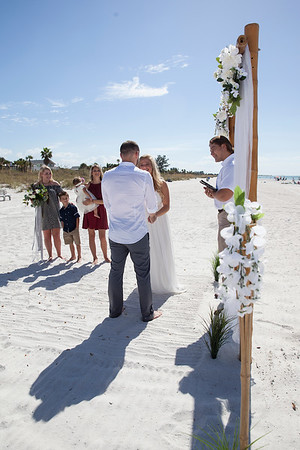 Miles_and_Samantha_a_Pass-a-Grille_Beach_Wedding_027