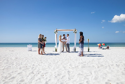 Miles_and_Samantha_a_Pass-a-Grille_Beach_Wedding_010