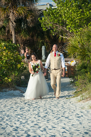 Renee_and_Chad_a_Lido_Beach_Wedding_016