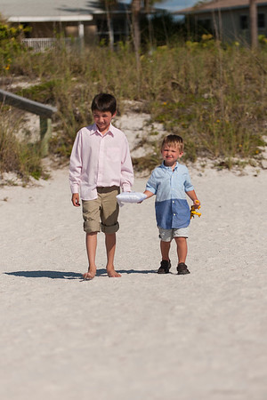 TIffani_and_Bobby_a_Pass-a-Grille_Beach_Wedding_13