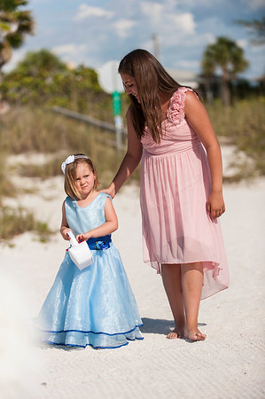 TIffani_and_Bobby_a_Pass-a-Grille_Beach_Wedding_17