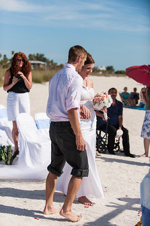 TIffani_and_Bobby_a_Pass-a-Grille_Beach_Wedding_27