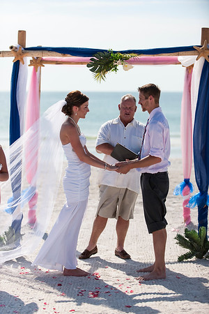 TIffani_and_Bobby_a_Pass-a-Grille_Beach_Wedding_29