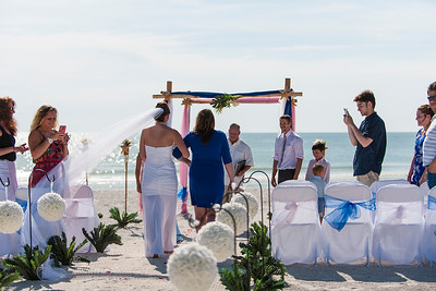 TIffani_and_Bobby_a_Pass-a-Grille_Beach_Wedding_24