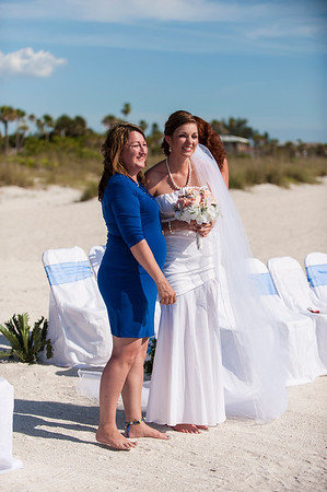 TIffani_and_Bobby_a_Pass-a-Grille_Beach_Wedding_26