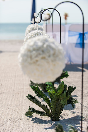 TIffani_and_Bobby_a_Pass-a-Grille_Beach_Wedding_02