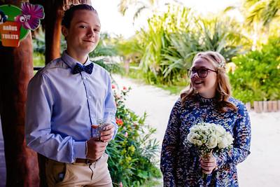 Intimate destination wedding in Cancun