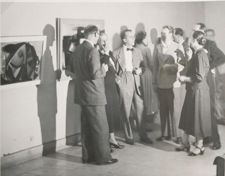 Fig. 94 June 1950, one man show, Frankfurter Kunstkabinett, ( left to right, Godo Remzhardt (art critic), Hanna Bekker, (gallery owner), Paul Fontaine, 2 unknowns, Virginia Fontaine