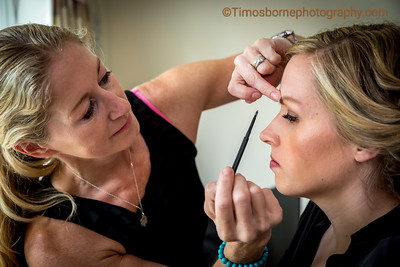 M&R-Wedding-BrideGettingReady-14