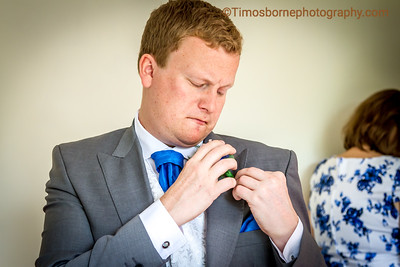 M&R-Wedding-GroomGettingReady-24