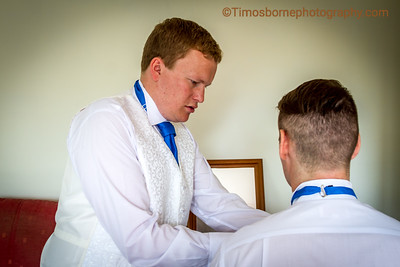 M&R-Wedding-GroomGettingReady-14