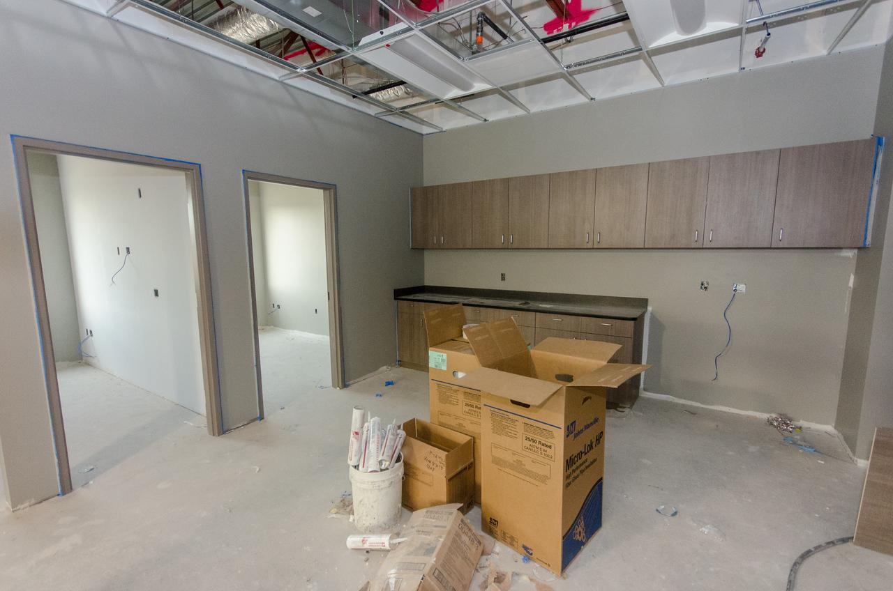 Meeting Rooms (lft), Doc/Intern Area - (rt)