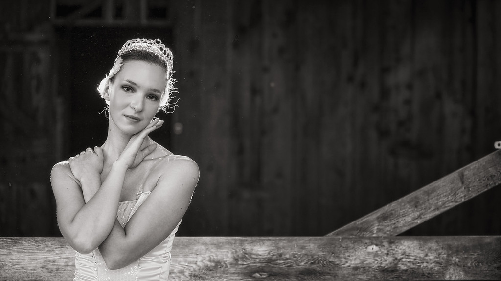 Michaela Crown 2-3306B&W