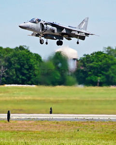 Vertical landing demo of the AV-8B Harrier