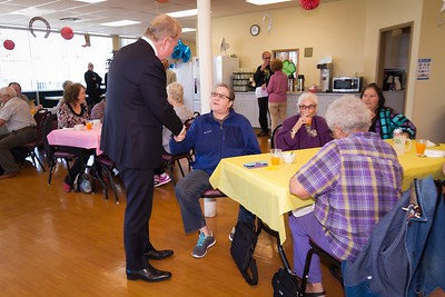 Mayor Murray visit Senior Center
