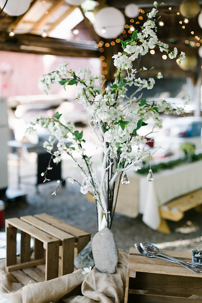 Floral Arrangement, Hartford TN Wedding by Everbright Photography