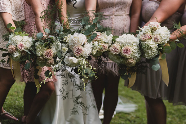 Flower display, Hartford TN Wedding by Everbright Photography