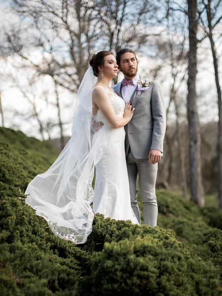 Bridal portrait by Everbright Photography at Gallaher Bend