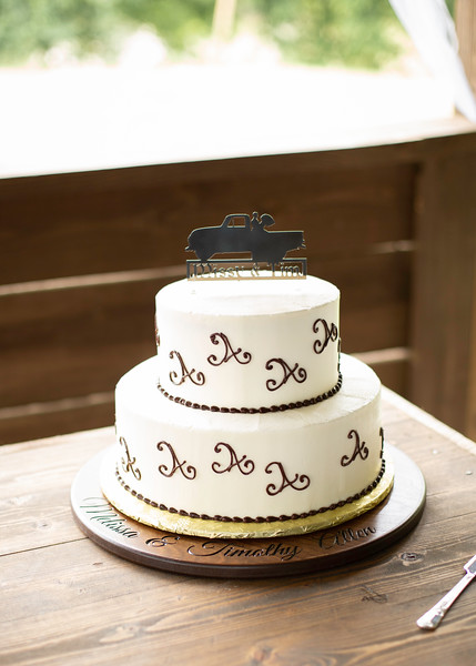 Wedding Cake by Yummy Cakes, Wedding at Nolichucky Vineyard by Everbright Photography