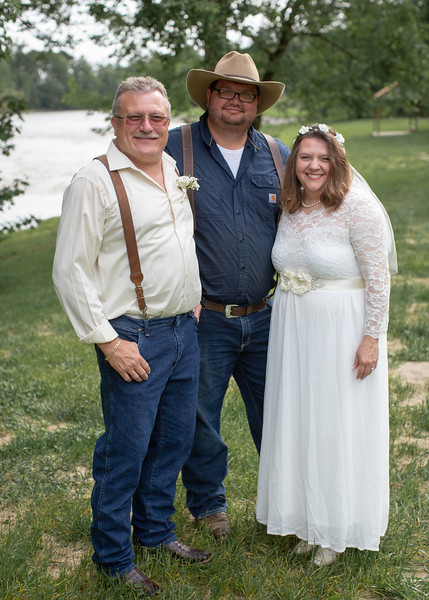 Alex Martin, Owner of Nolichucky Vineyard with Couple
