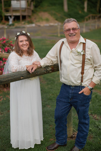 Bride & Groom, Wedding at Nolichucky Vineyard by Everbright Photography