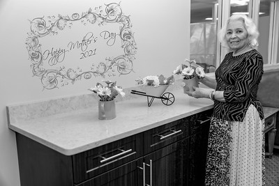 Maria Negron-Mother's Day 2021-B&W-12