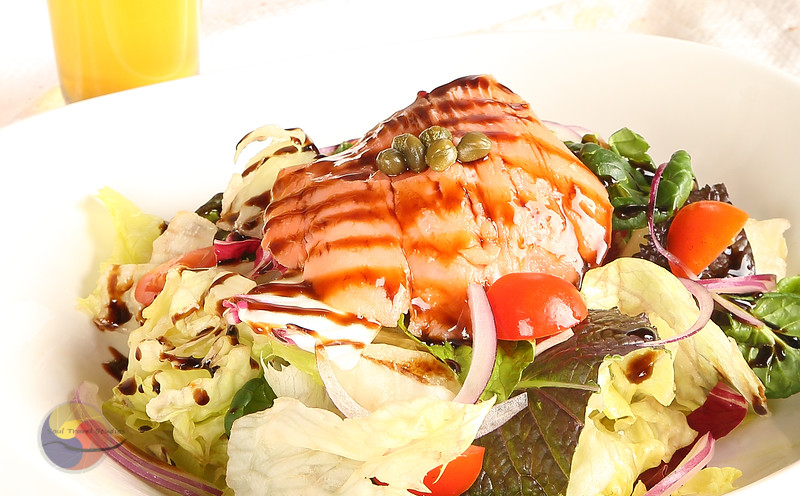 Balsamic Vinaigrette Salmon salad