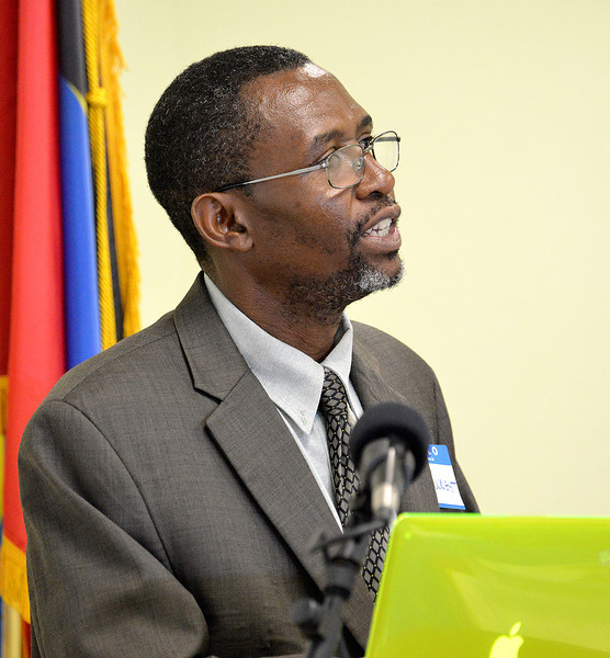 Marshall Corthwright, Director of Policy and Planning within the Ministry of Tourism, addressing the avitourism workshop in Antigua, 25 June 2013, by Ted Lee Eubanks.