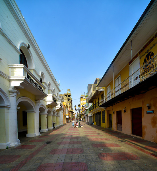 Side street near Parque Colon in the Zona Colonial, Santo Domingo