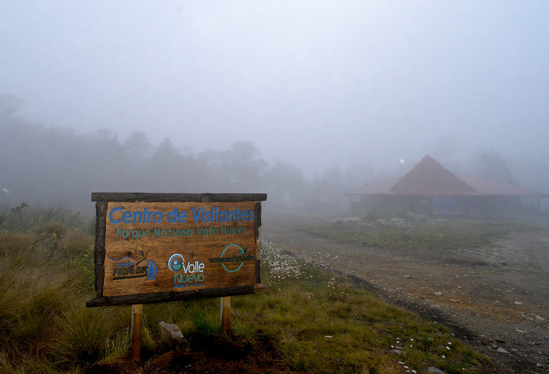 Visitors center in Parque Nacional Valle Nuevo blanketed in a cold fog