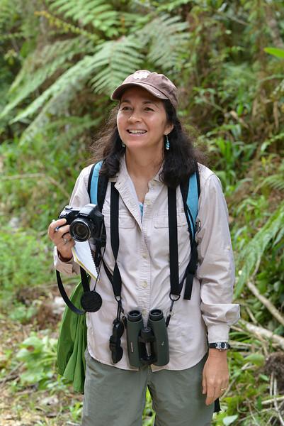Lisa Sorenson on the trail between Canto del Jilguero and Cachote
