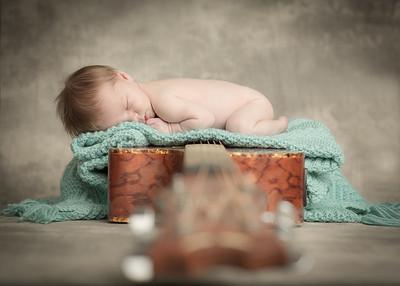 Oliver Davis Newborn 2-2